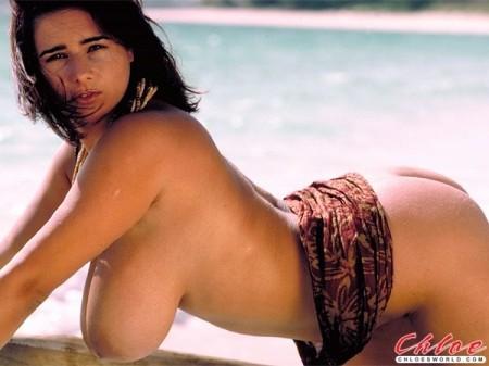 Nude photos of sexy women giving head