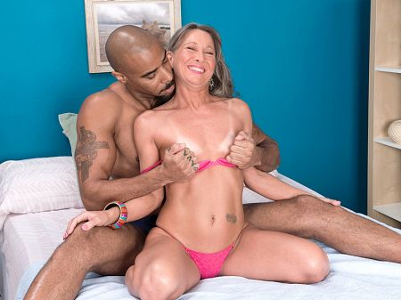 Leilani Lei - XXX MILF video