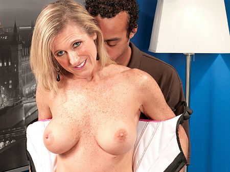 Jade - XXX MILF video