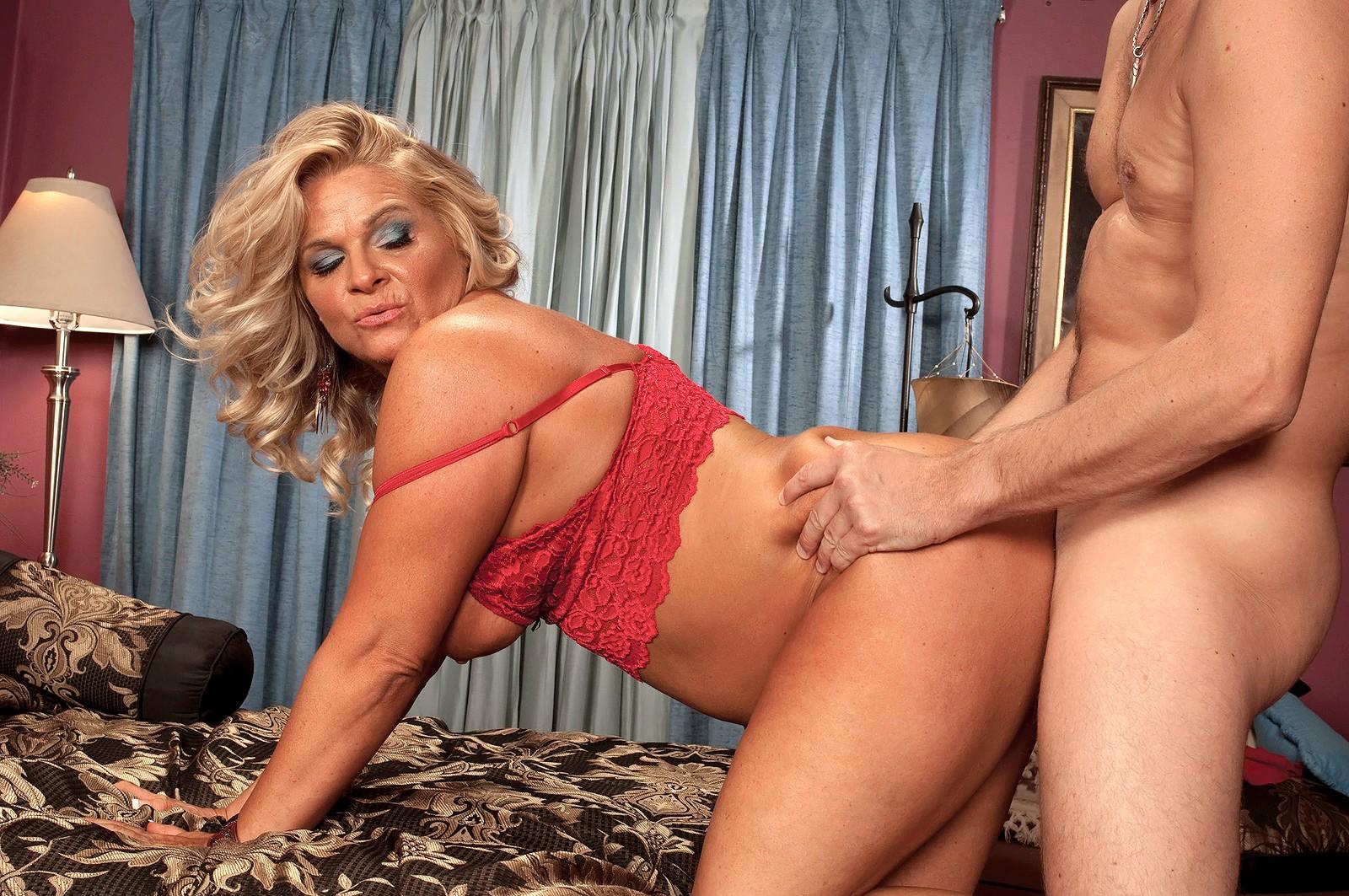 ласк девушки отличное порно с зрелой сучкой недавно
