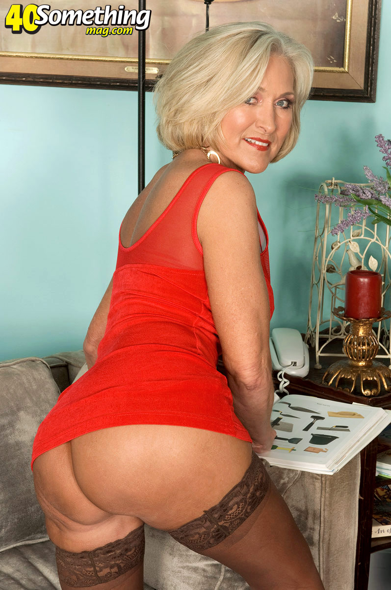Busty curvy huge mature granny