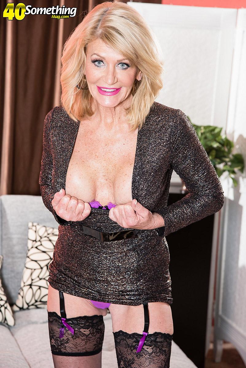 Sexy strip webcam