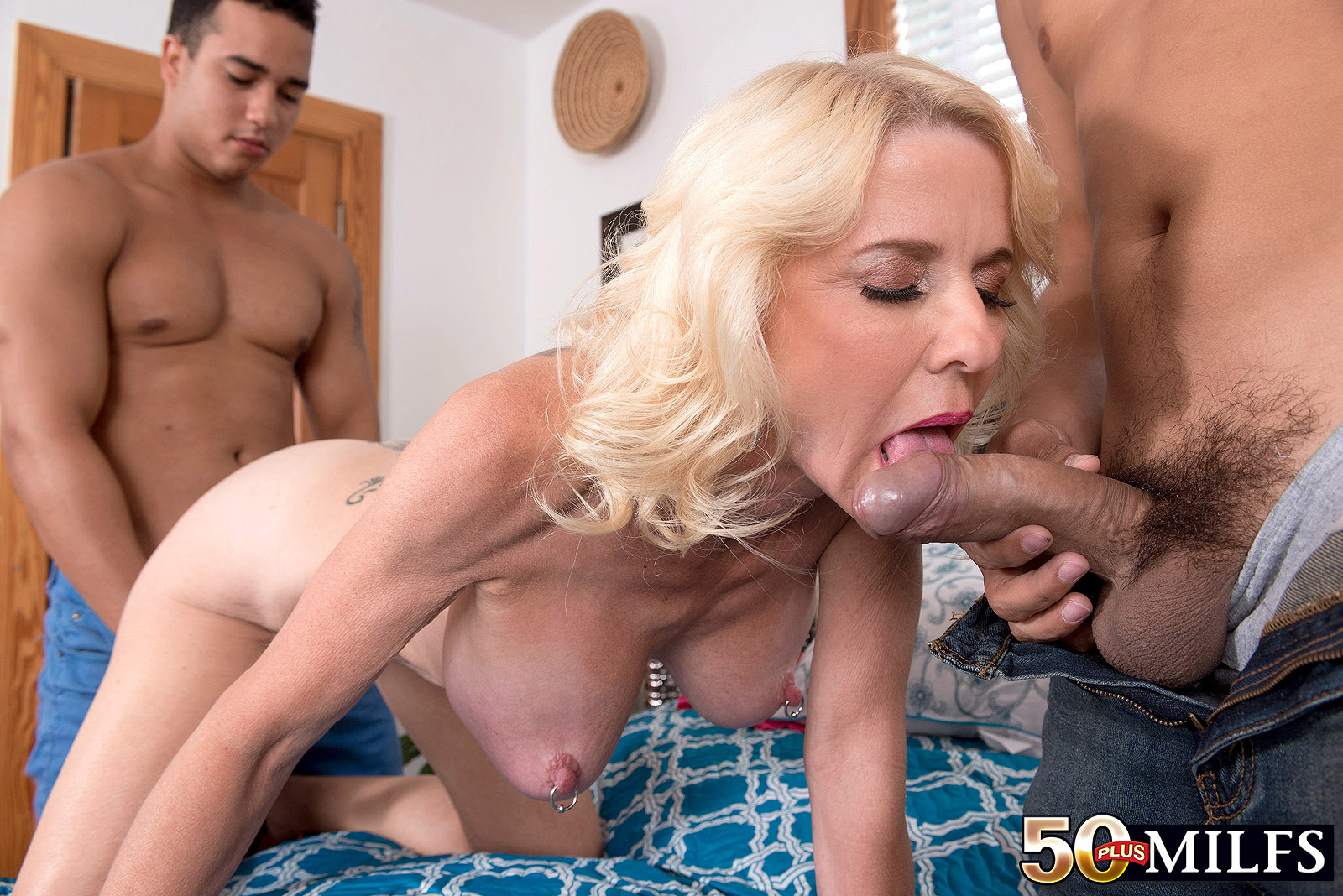 Milf fucks younger guy porn pics