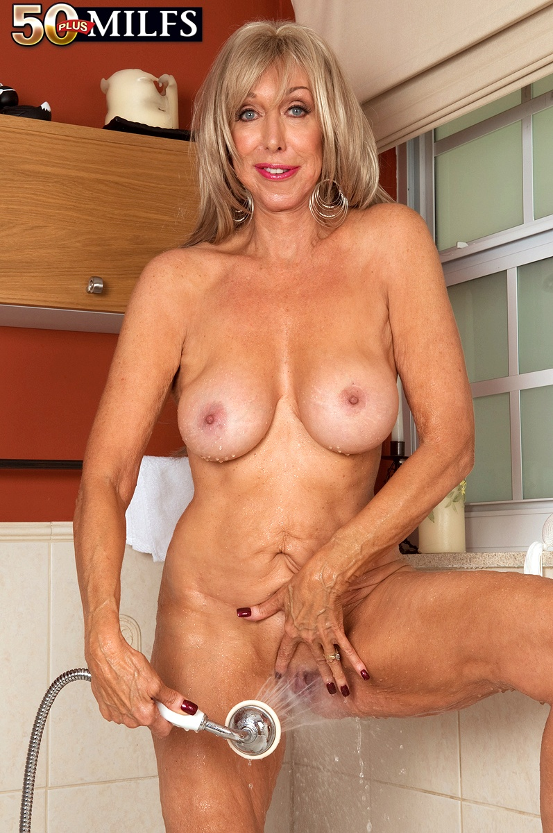 Our Oldest Milf Ever - Christy Cougar 51 Photos - 50 -3371