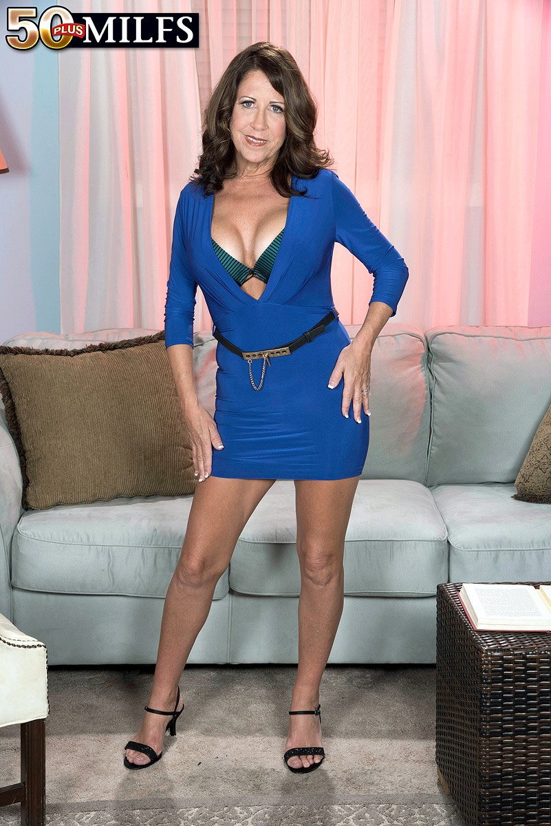 A real-life mom with a very hot body - Karen DeVille (71