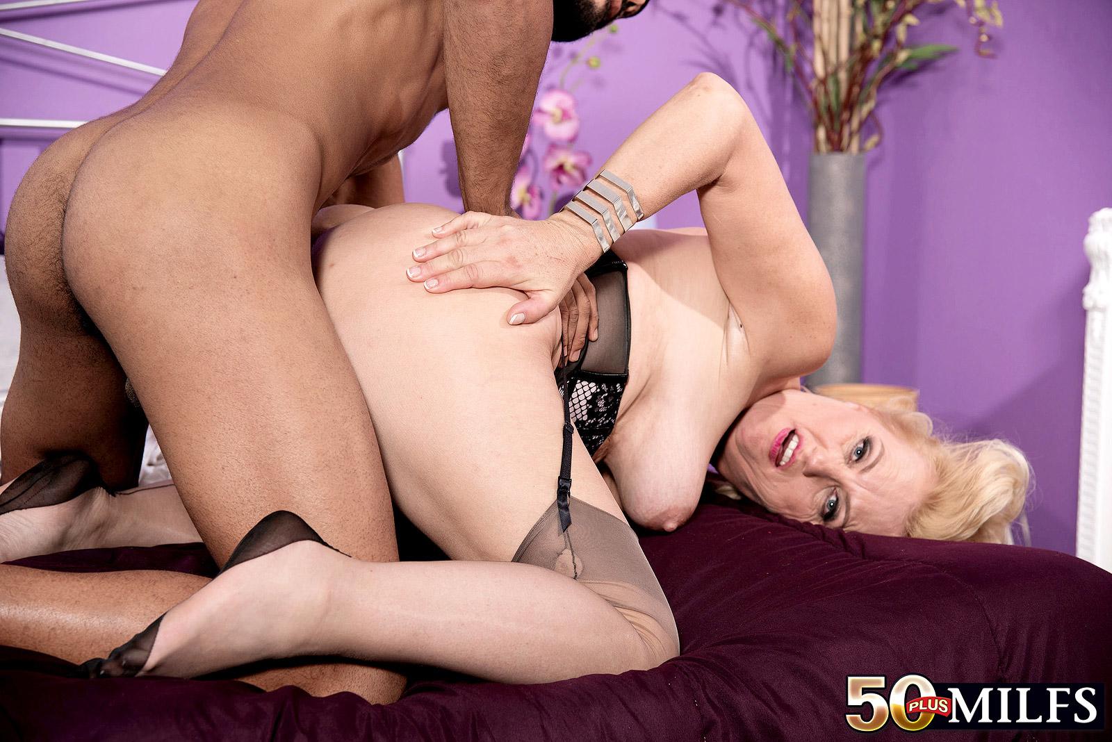 Video milf gaged sextures — img 3