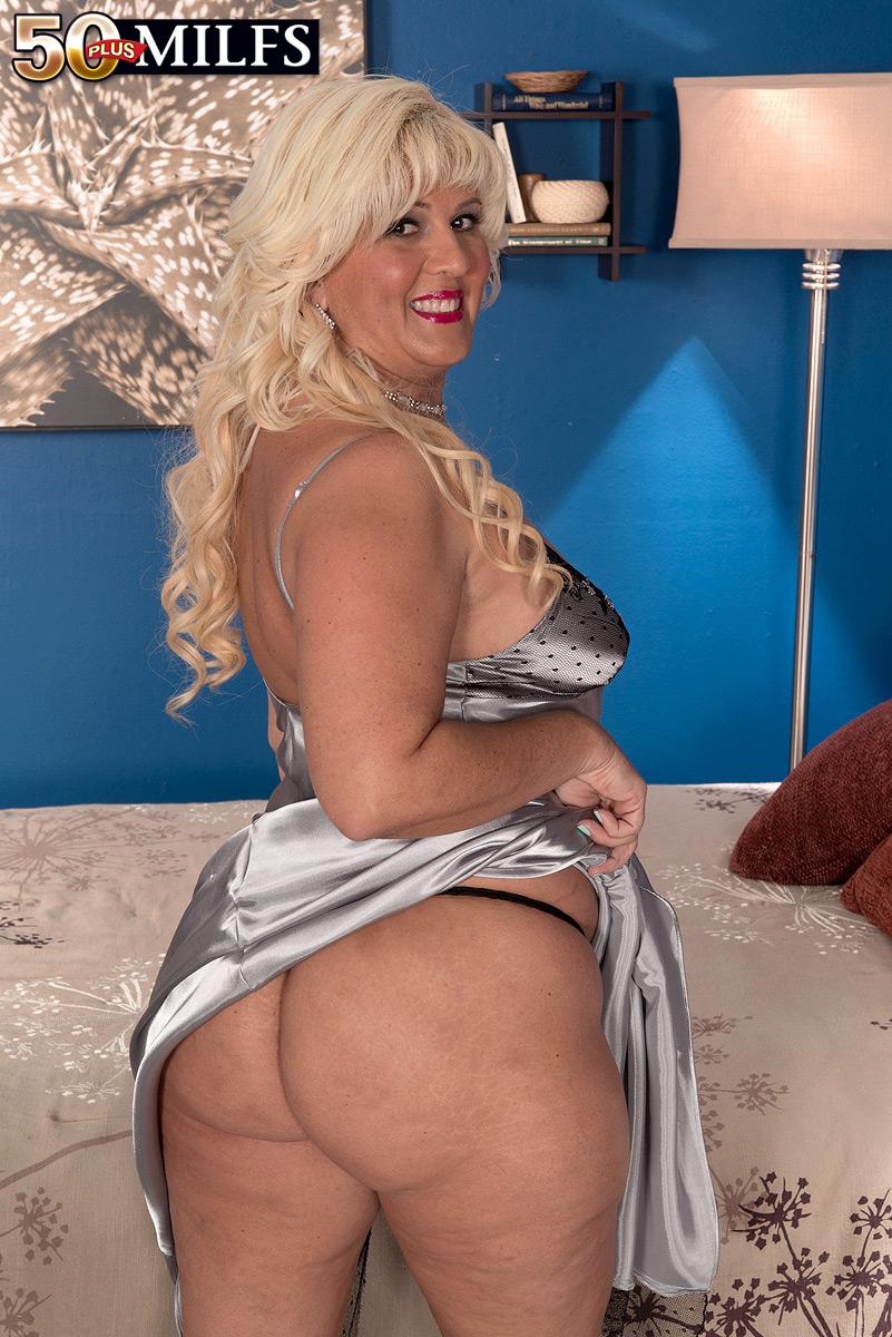 Big, Black Cock For Big-Assed Latina - Lori Suarez And -7528
