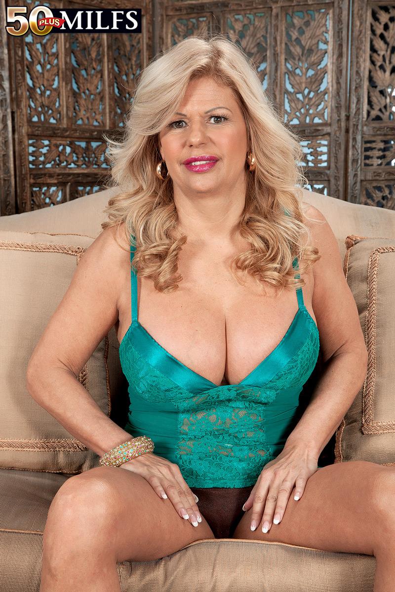 tits big anal pussy Pierced