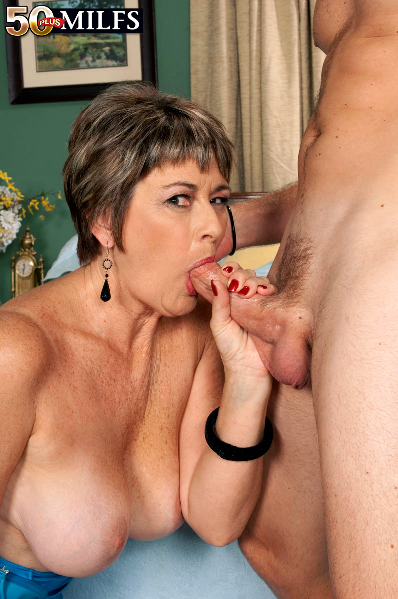 First Fuck 57-Year-Old Breaks Her Porno Cherry -9349