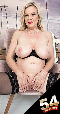 Lena Lewis - Solo MILF photos