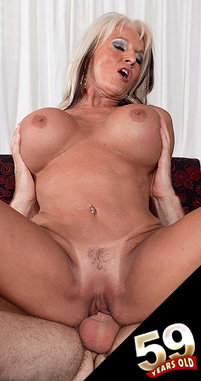 Sally D'Angelo - XXX MILF photos