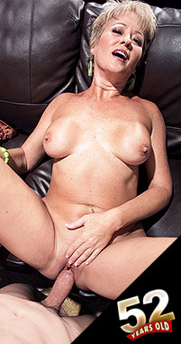 Tracy Licks - XXX MILF photos