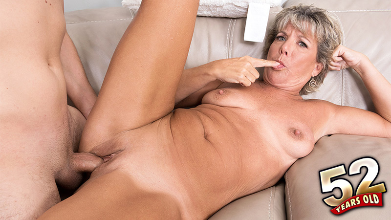 Constance Joy - XXX Granny video