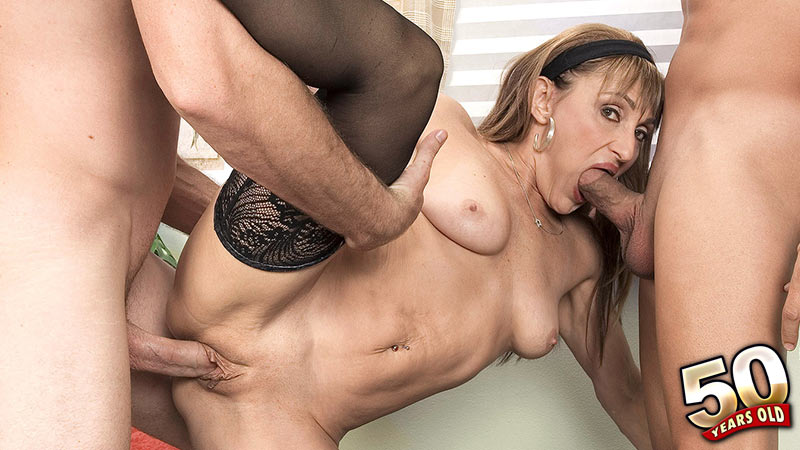 Jillian Foxxx - XXX MILF video