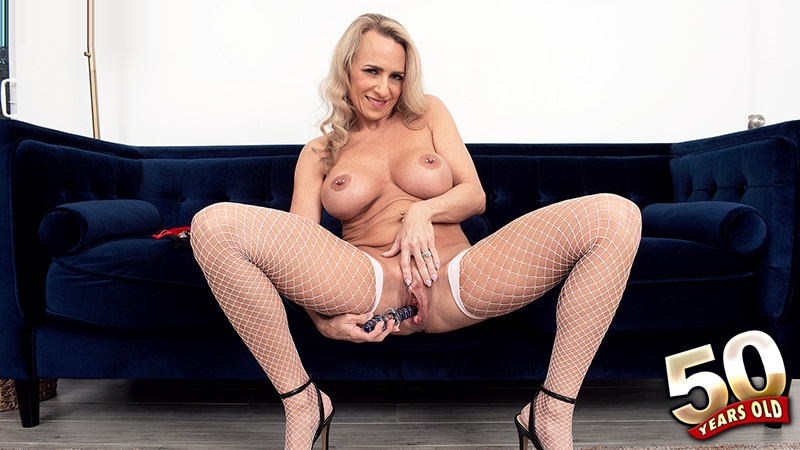 Kenzi Foxx - Solo MILF video