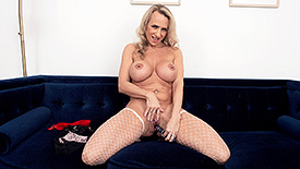 Kenzi Foxx - Solo MILF video screenshot 4