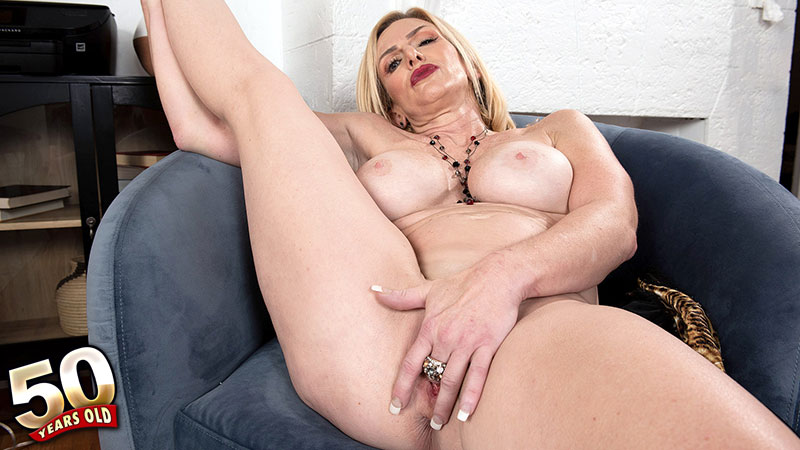 Marilyn Masters - Interview MILF video