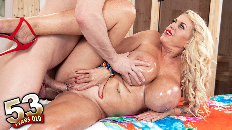 Shannon Blue - XXX MILF video