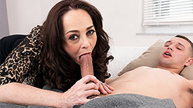 Veronika Vixon - XXX MILF video screenshot 1