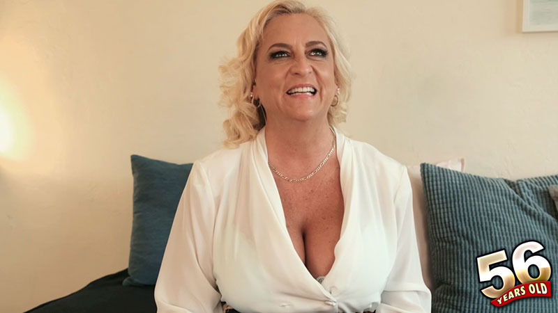 Charli Adams - Interview MILF video