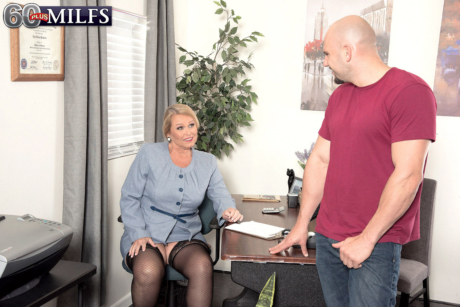 Баню мужем зрелая блондинка и молодой в душе ебутся приеме гинеколога мужчины