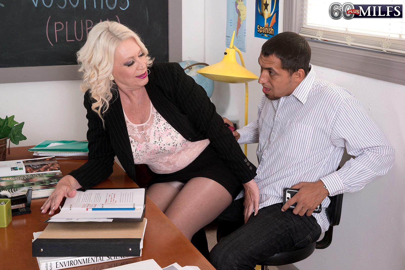 Granny teacher naked milf | XXX photo)