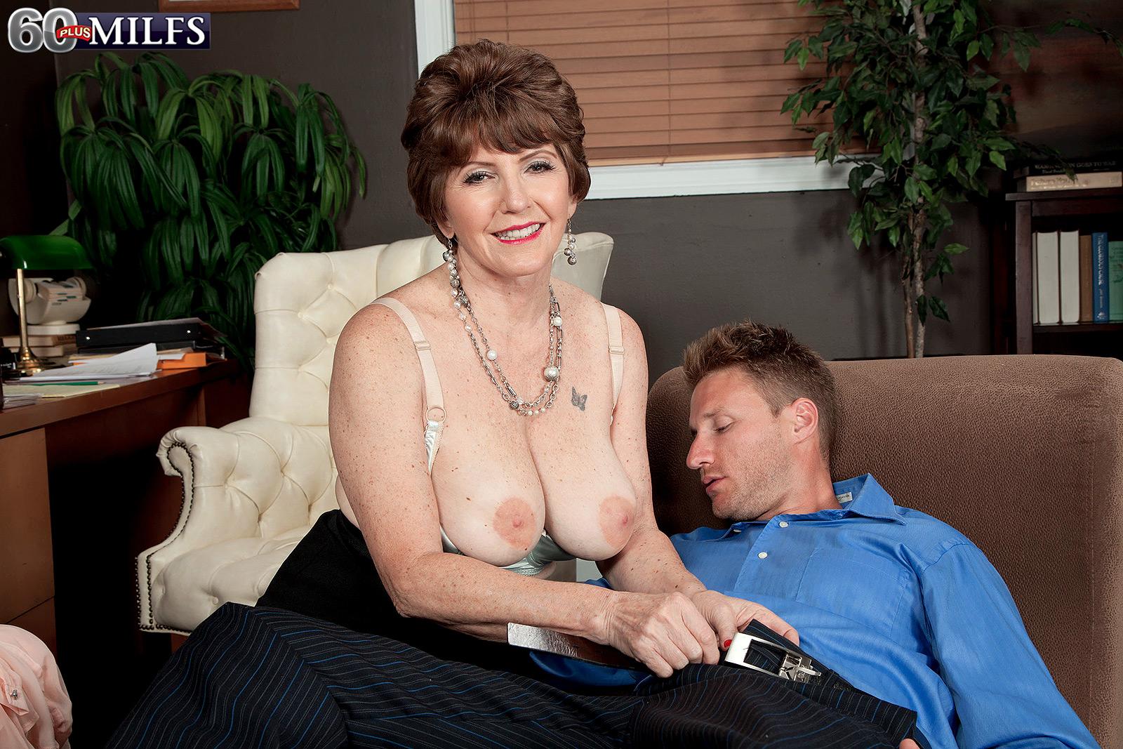 Bea Cummins Nude Sex Porn Images Hot Naked Babes