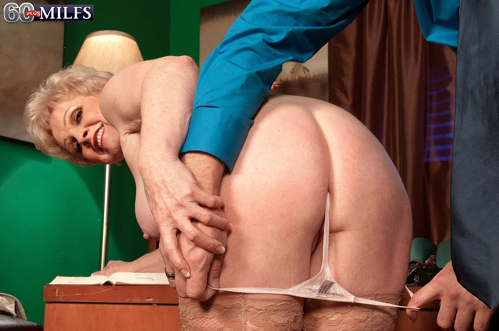 Порно вылез поп у пожилых #14