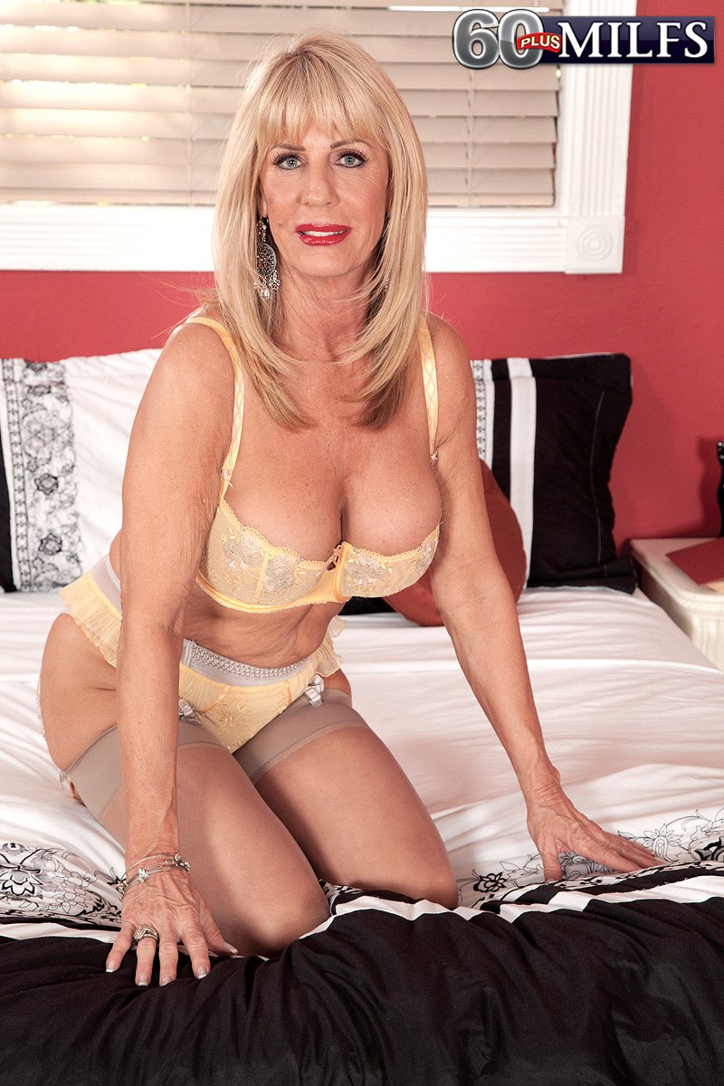 And the nude milf in stockings