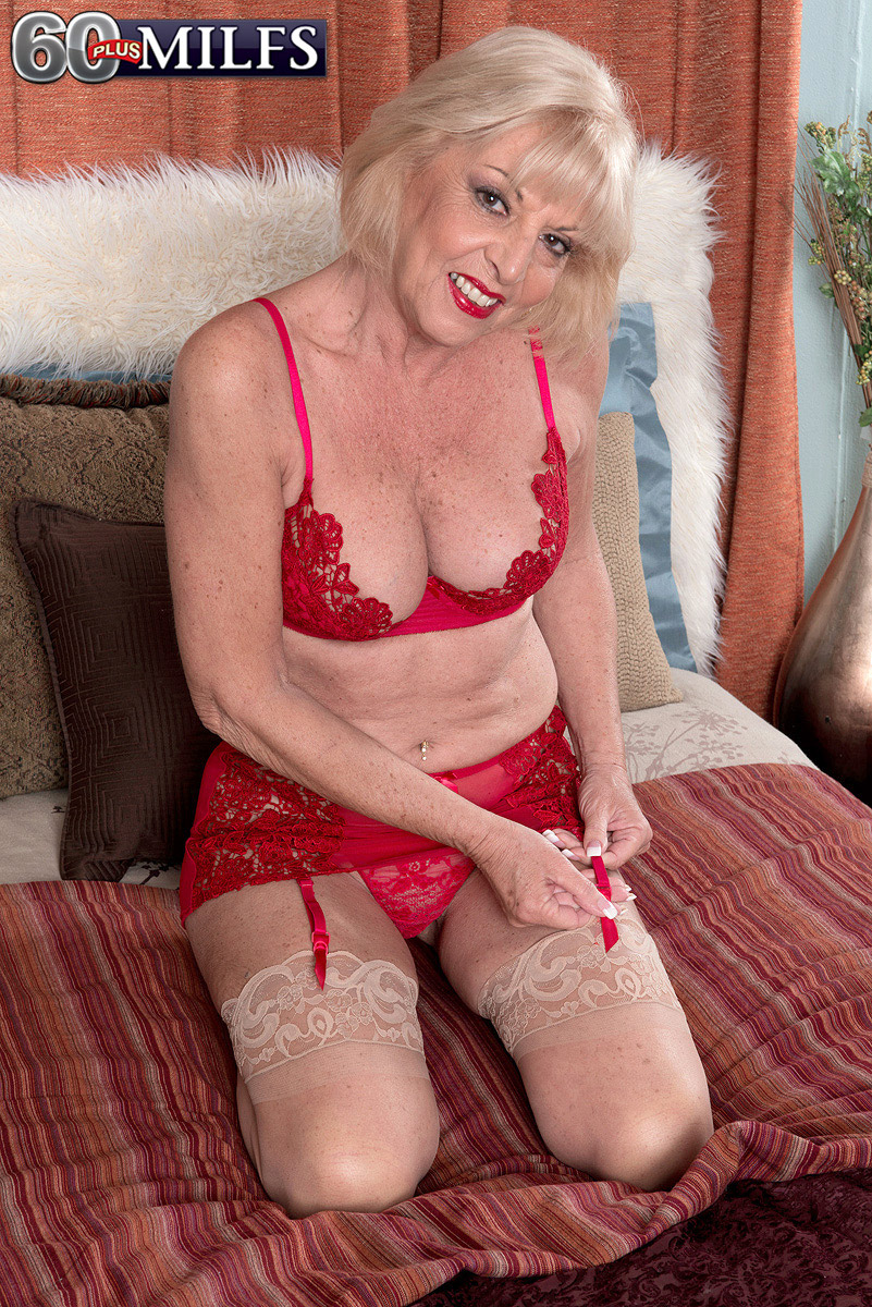 A Creampie For Grandma - Scarlet Andrews And Tony Rubino -1785