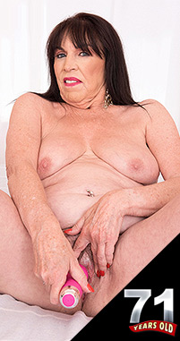 Christina Starr - Solo Granny photos