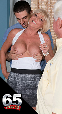 Scarlet Andrews - XXX Granny photos