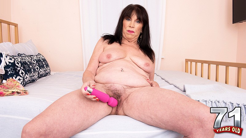 Christina Starr - Solo Granny video