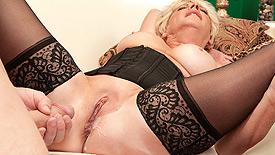 Teen girl bikini big boobs