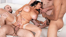 Rita Daniels - XXX video screenshot 2