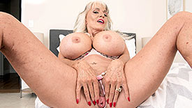 Sally D'Angelo - Solo Granny video screenshot 2