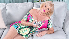 Scarlet Andrews - Solo Granny video screenshot 1