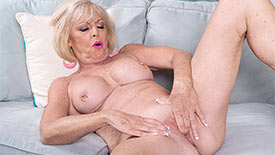 Scarlet Andrews - Solo Granny video screenshot 2