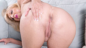 Scarlet Andrews - Solo Granny video screenshot 3