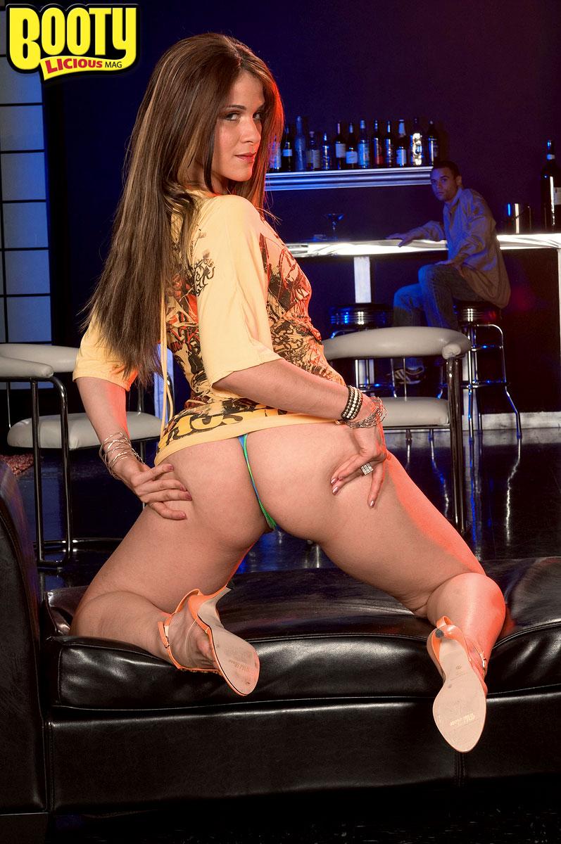 I Wanna Make Love In This Club - Miss Raquel And Jonny -8771