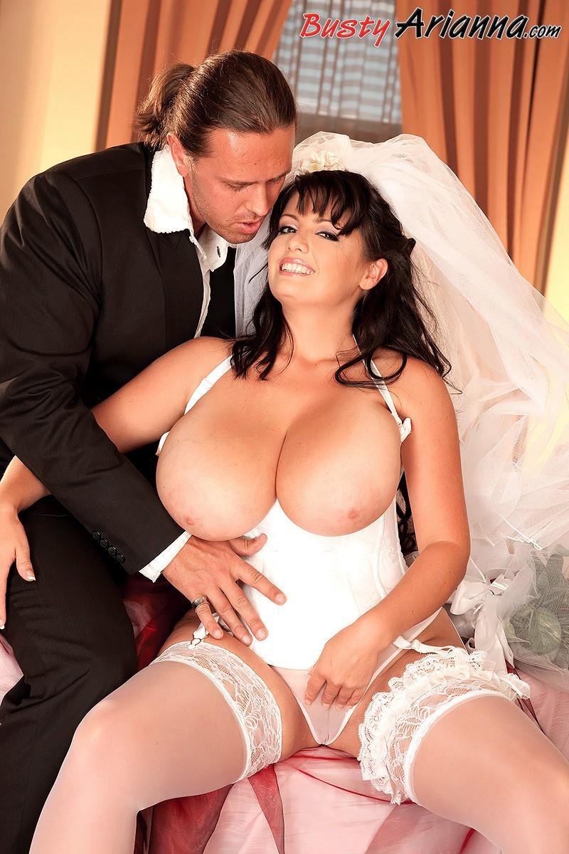 Bride fuck boobs, wwe divas naked in public
