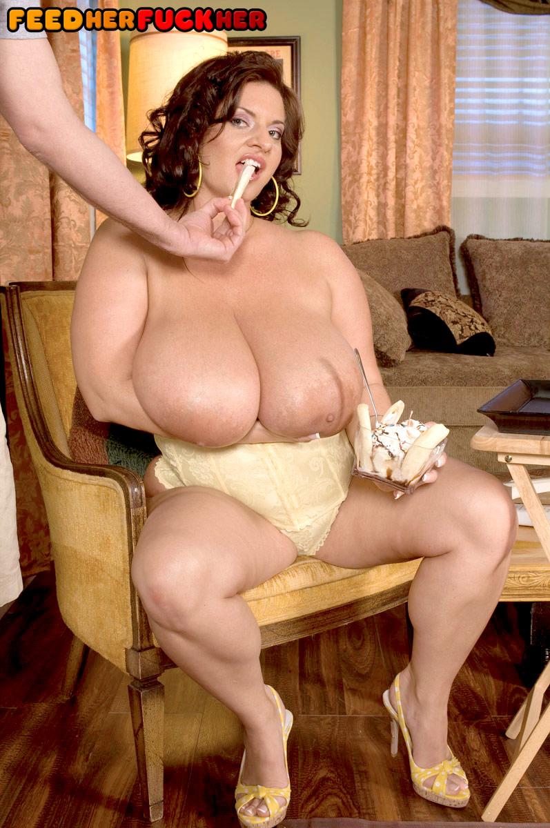 busty maria moore