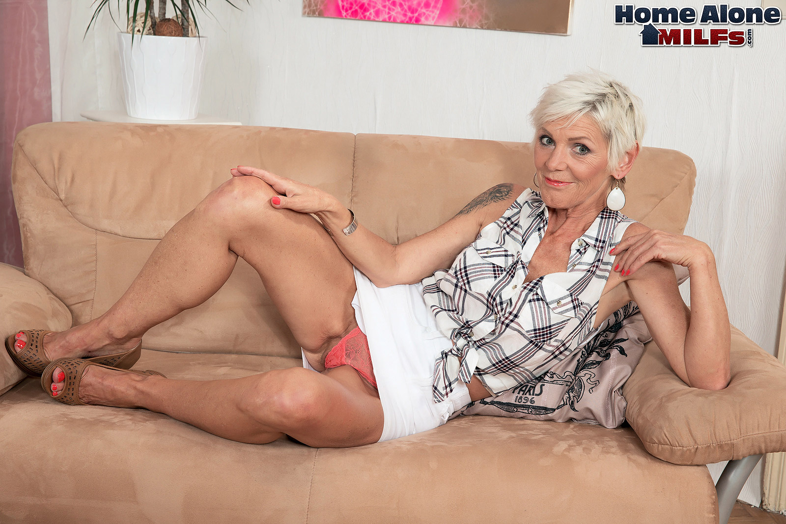 A horny old wife with a great ass - Nicol Mandorla (16:45 ...