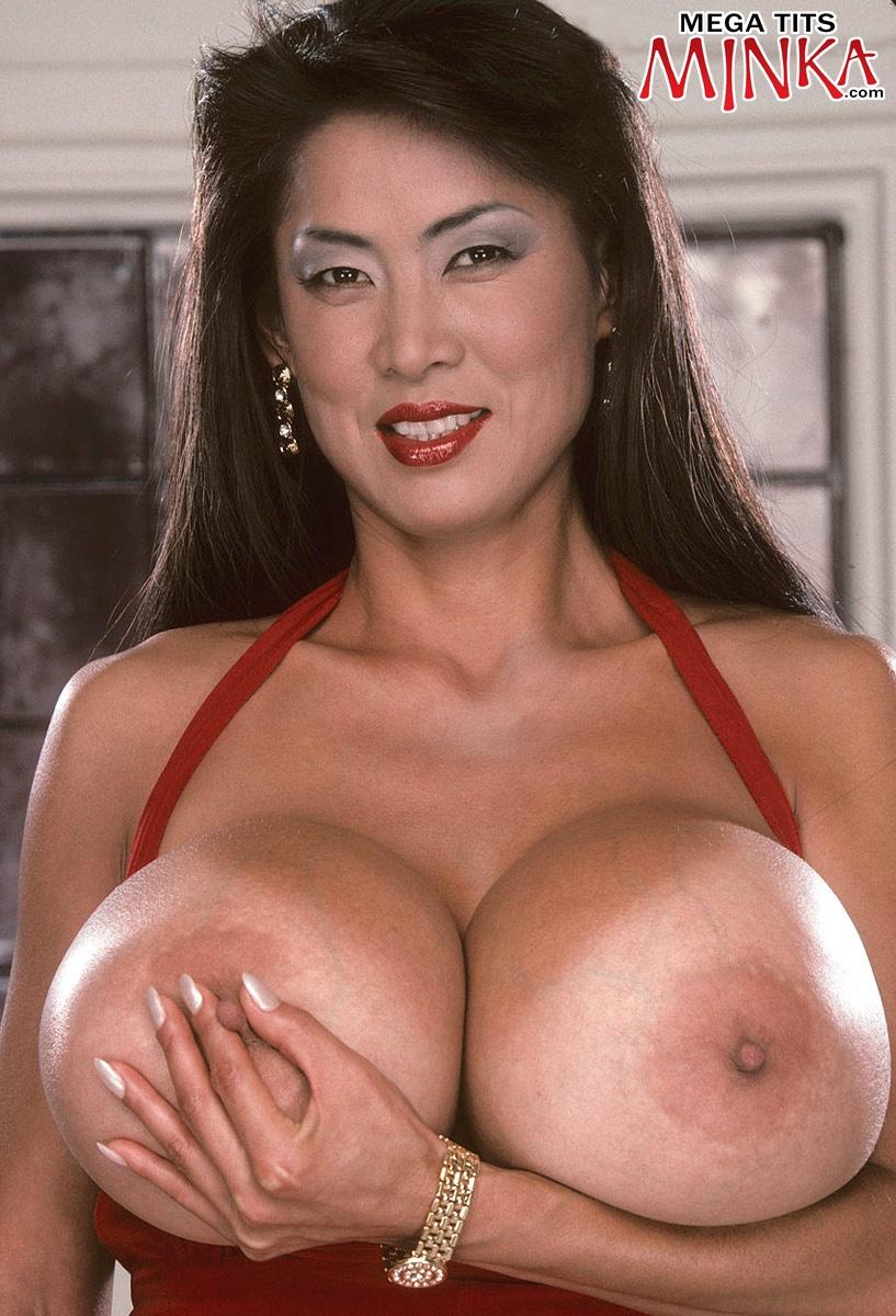 Big bras xlgirls minka asian — 5