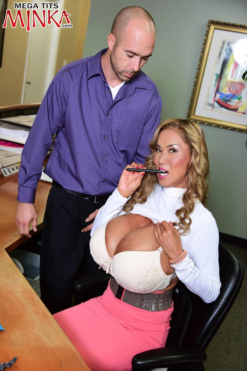 Mega Tits Minka - Mega-Boobs Office - Minka 50 Photos-5400
