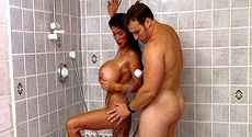 Minka woody shower free sex pics