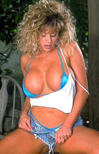Becky Sunshine - Big Tits model