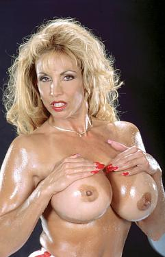 Lacey Legends - MILF model