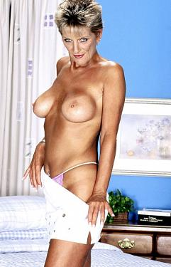 Sinsation - MILF model