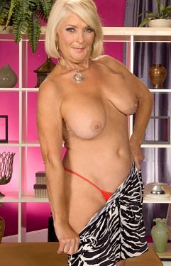 Georgette Parks - MILF model